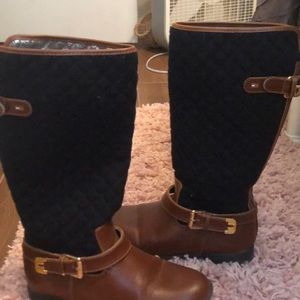Tommy Hilfiger boots in great condition.